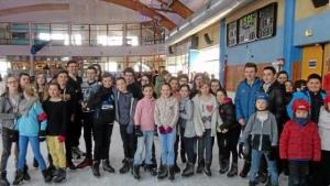 30-jeunes-trevoltois-la-patinoire